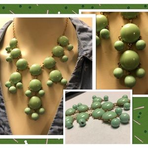 Vintage Green and Gold Bib/Choker Dangle Necklace